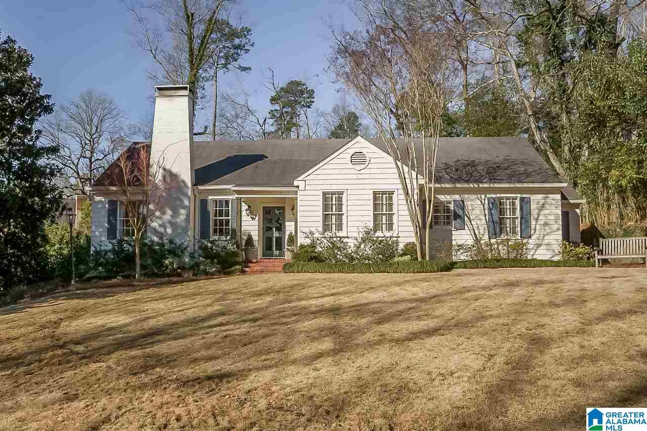18 WOODHILL RD, Mountain Brook, AL 35213 - MLS#: 1277144