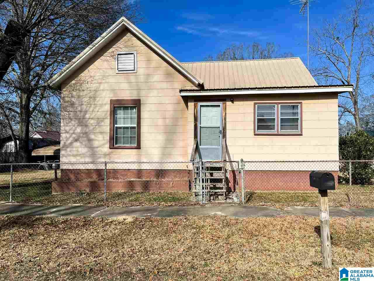 26 ASHBY AVE, Sylacauga, AL 35150 - MLS#: 1273678