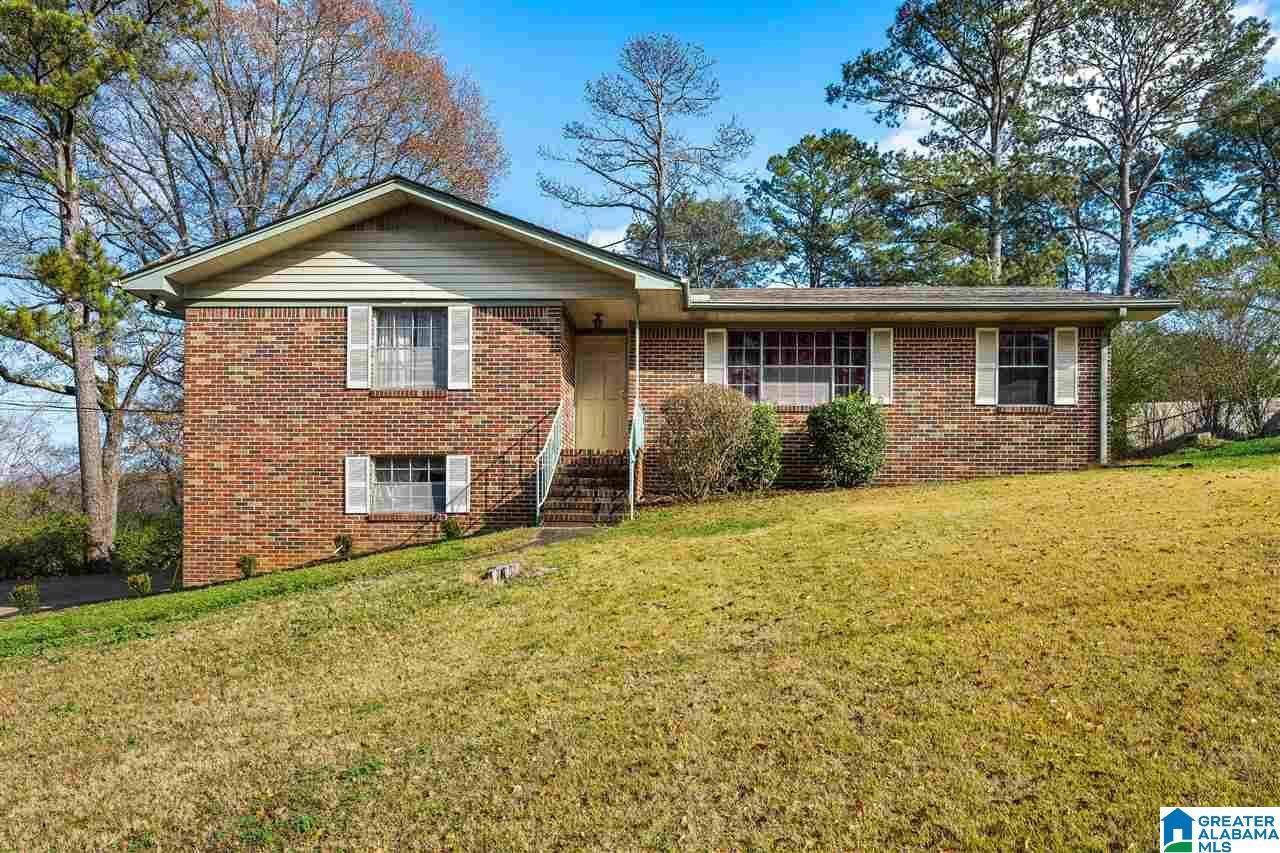 2605 2ND PL NW, Center Point, AL 35215 - MLS#: 900164