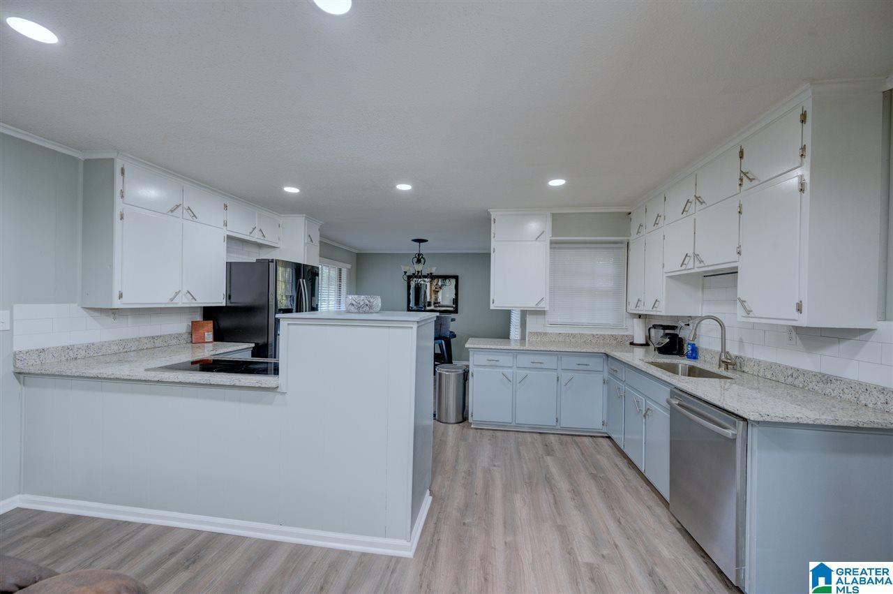 3232 LEVAN RD, Fultondale, AL 35068 - MLS#: 900769