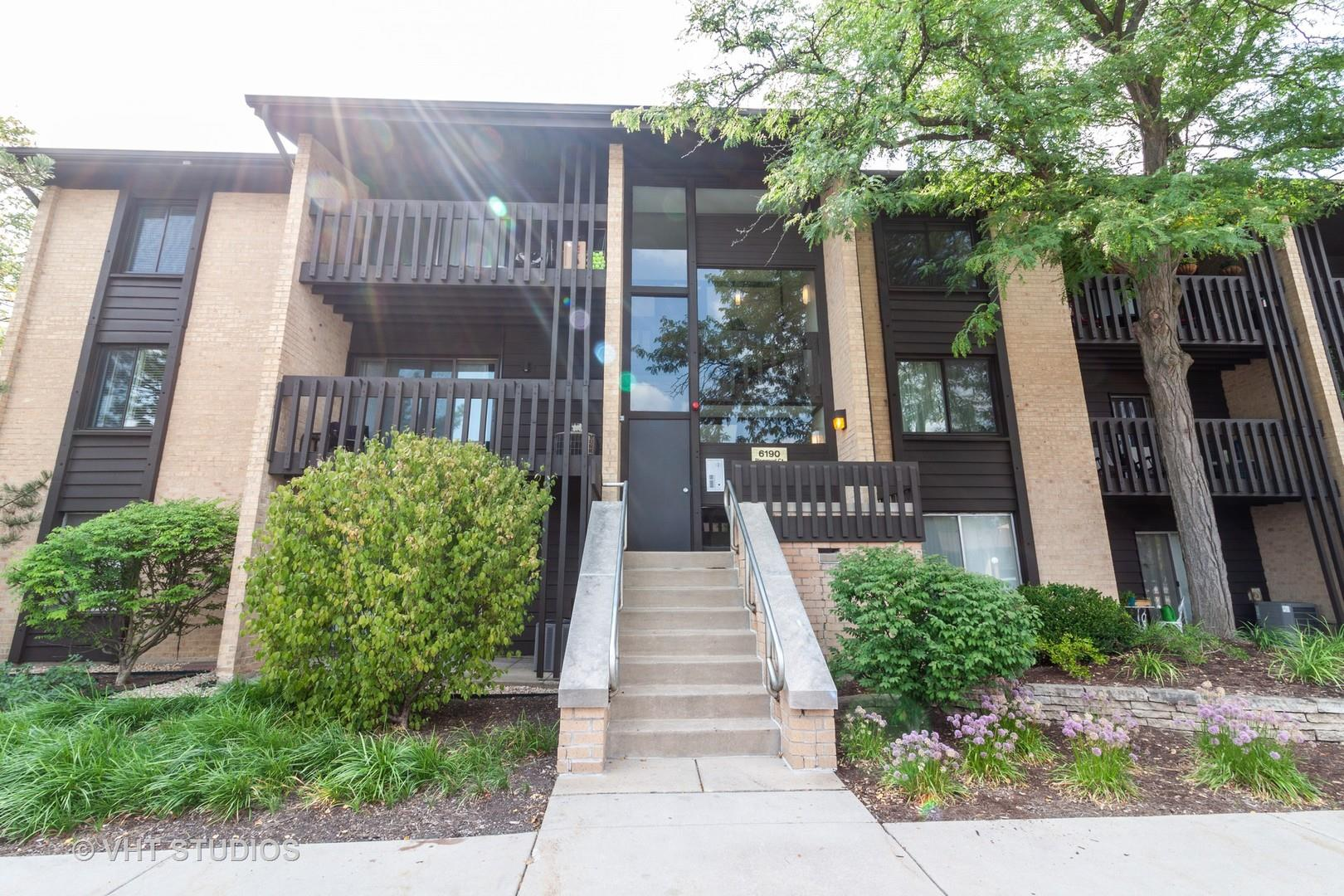 6190 PINEWOOD Court #301, Willowbrook, IL 60527 - #: 10837012