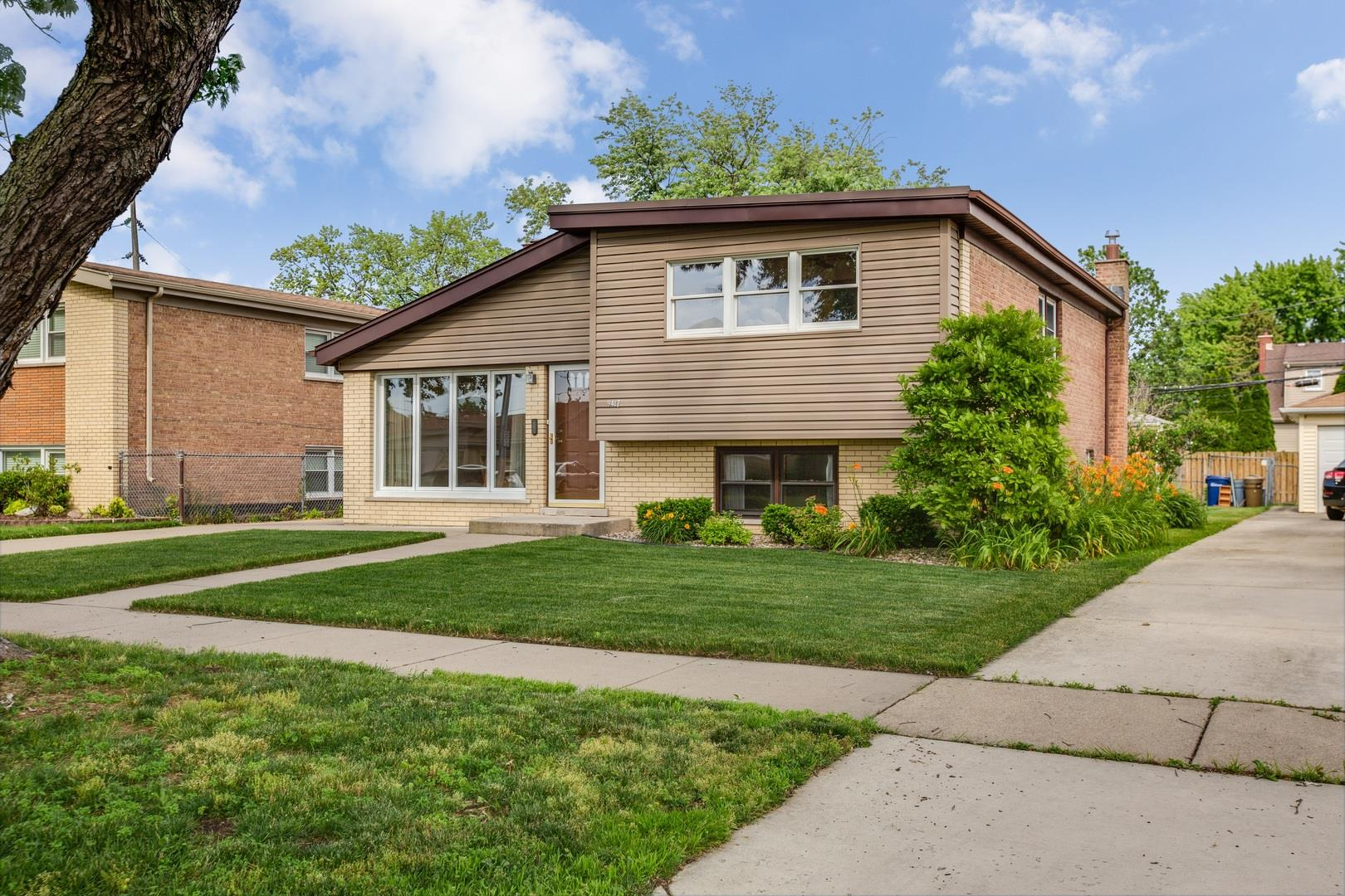 9417 Parkside Avenue, Oak Lawn, IL 60453 - #: 10550014