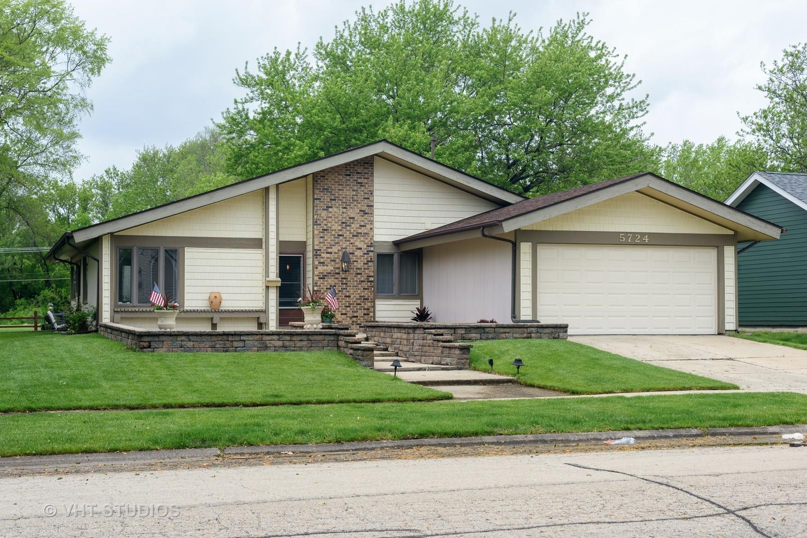 5724 Ring Court, Hanover Park, IL 60133 - #: 10713017