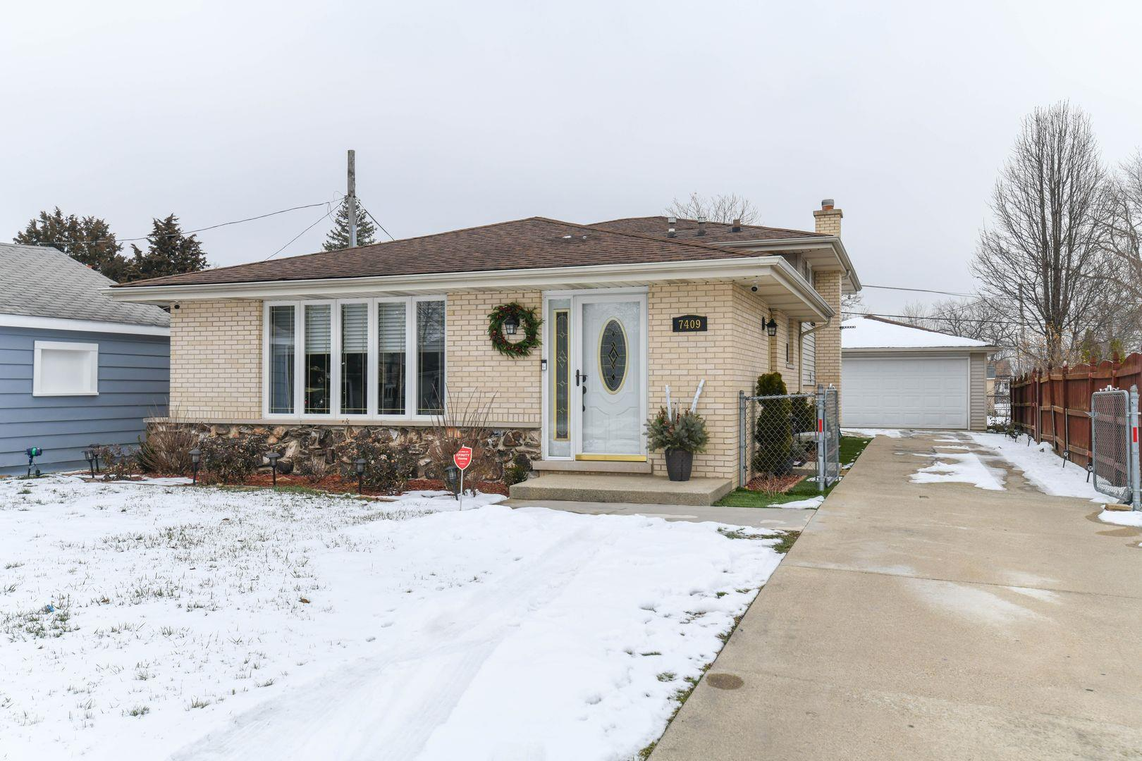 7409 S Oketo Avenue, Bridgeview, IL 60455 - #: 10964018
