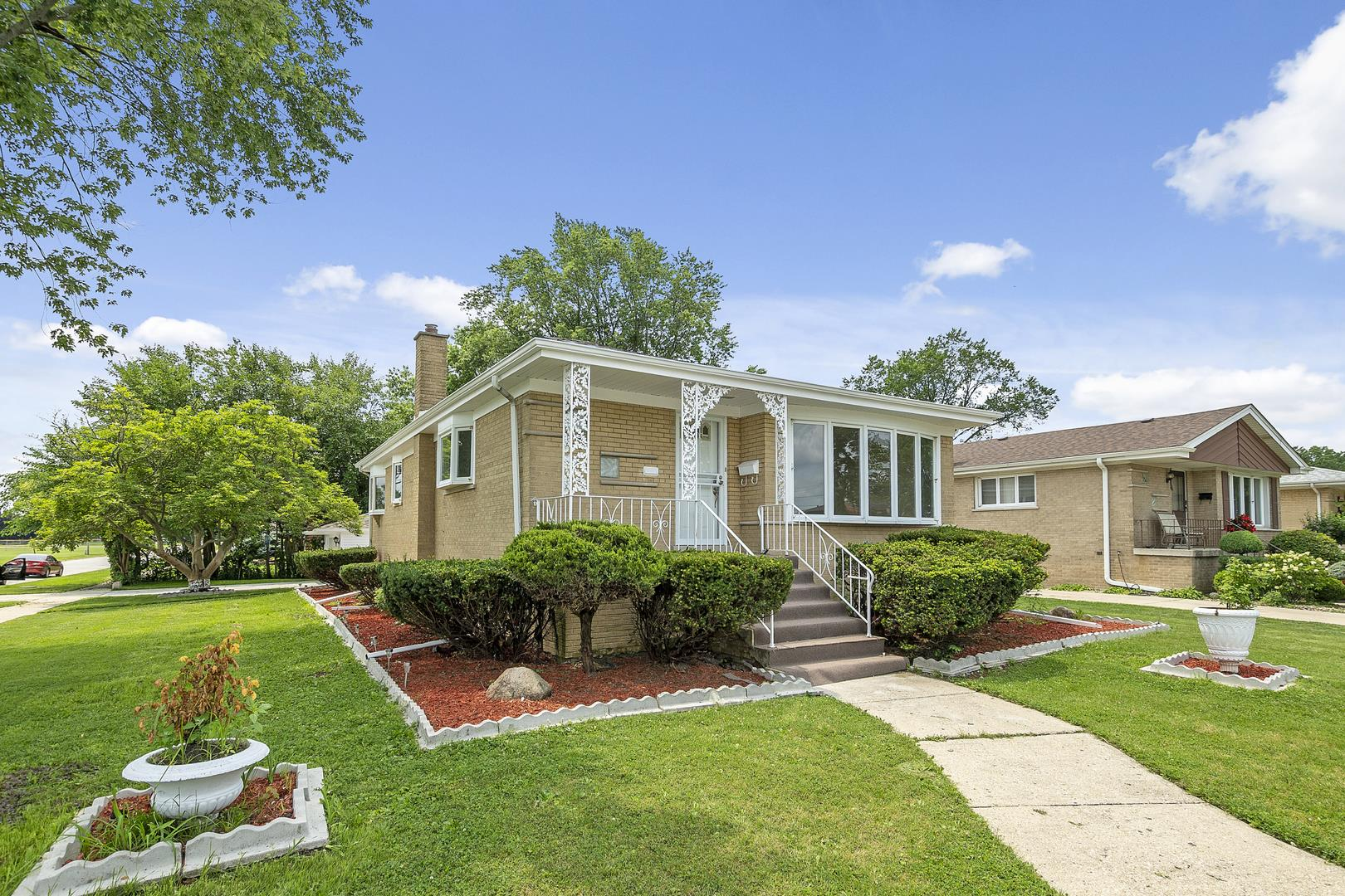 140 W 27th Street, South Chicago Heights, IL 60411 - MLS#: 11157023