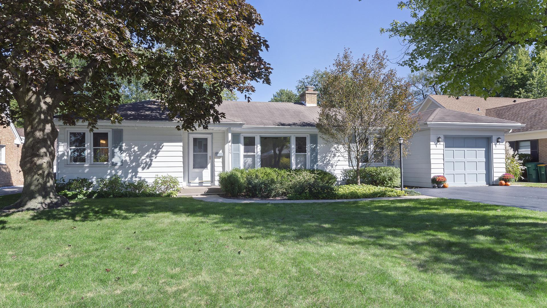 205 Latrobe Avenue, Northfield, IL 60093 - #: 10846027