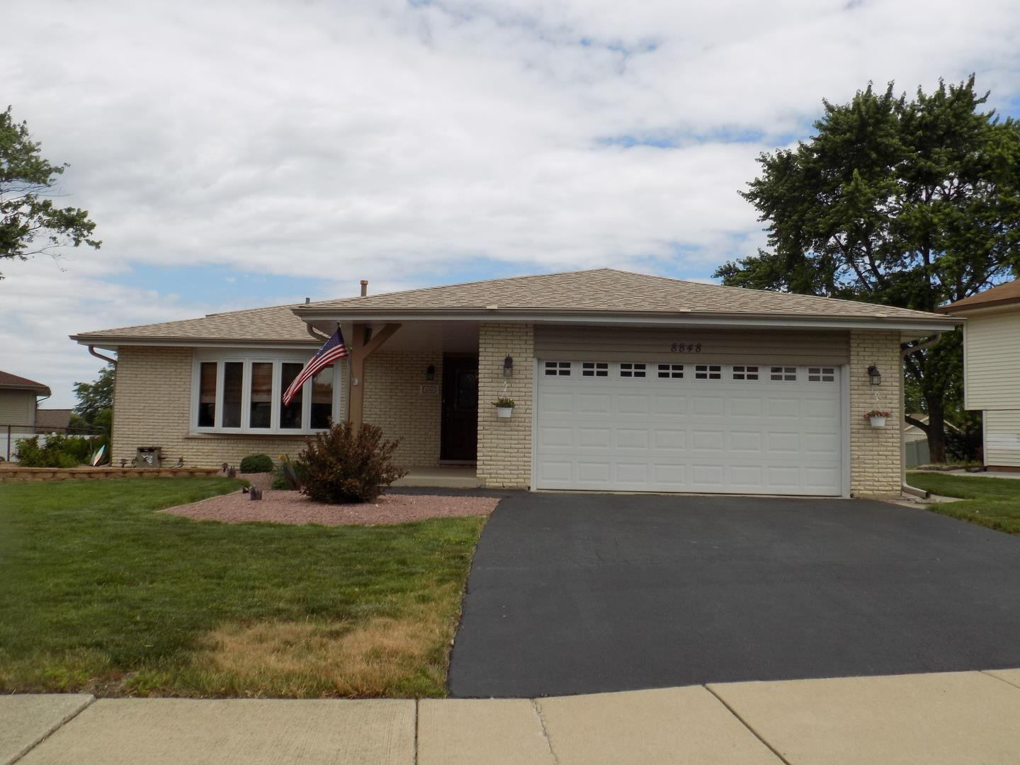 8848 Hickory Drive, Orland Hills, IL 60487 - #: 11124029
