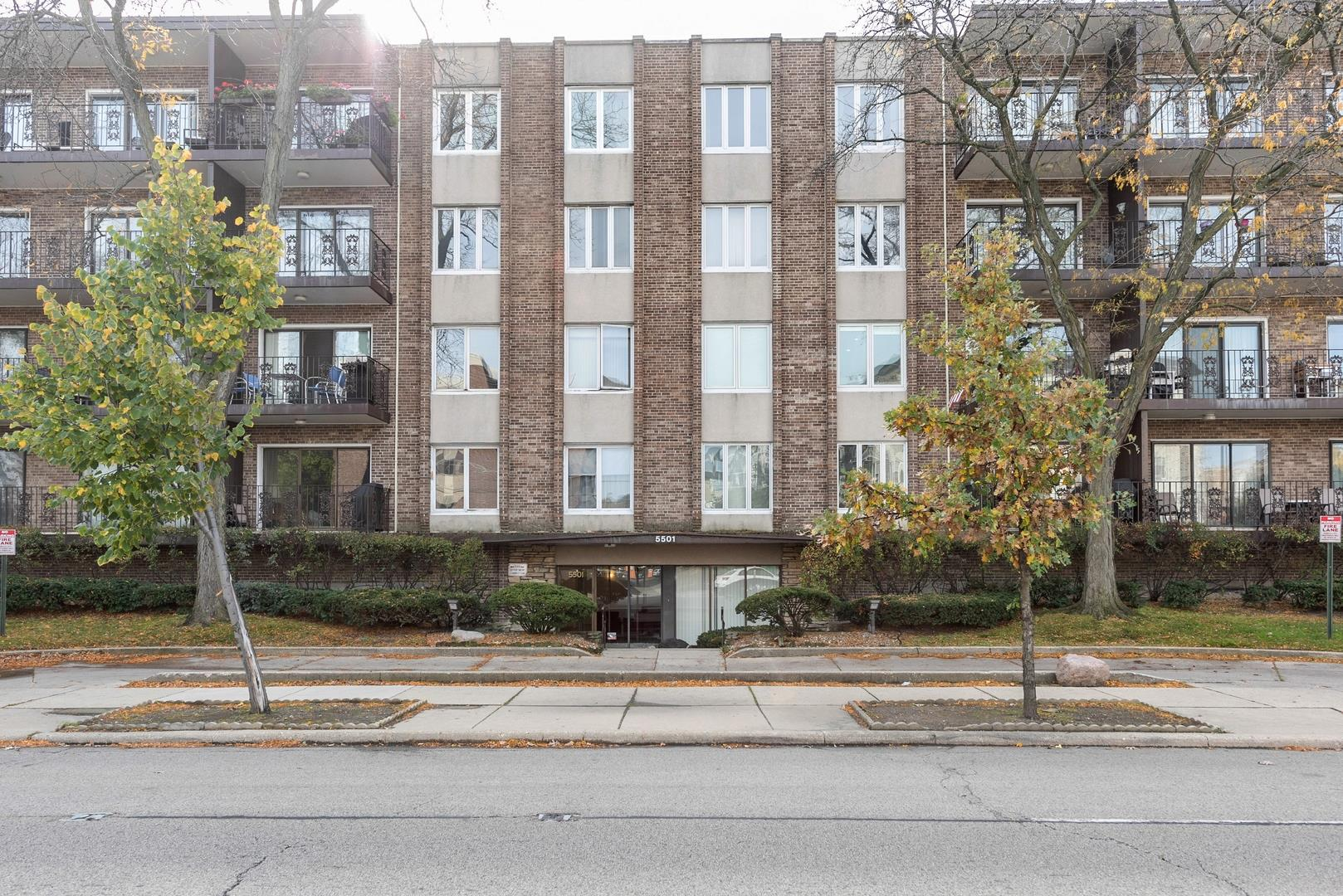 5501 N LINCOLN Avenue #304, Morton Grove, IL 60053 - #: 10937032