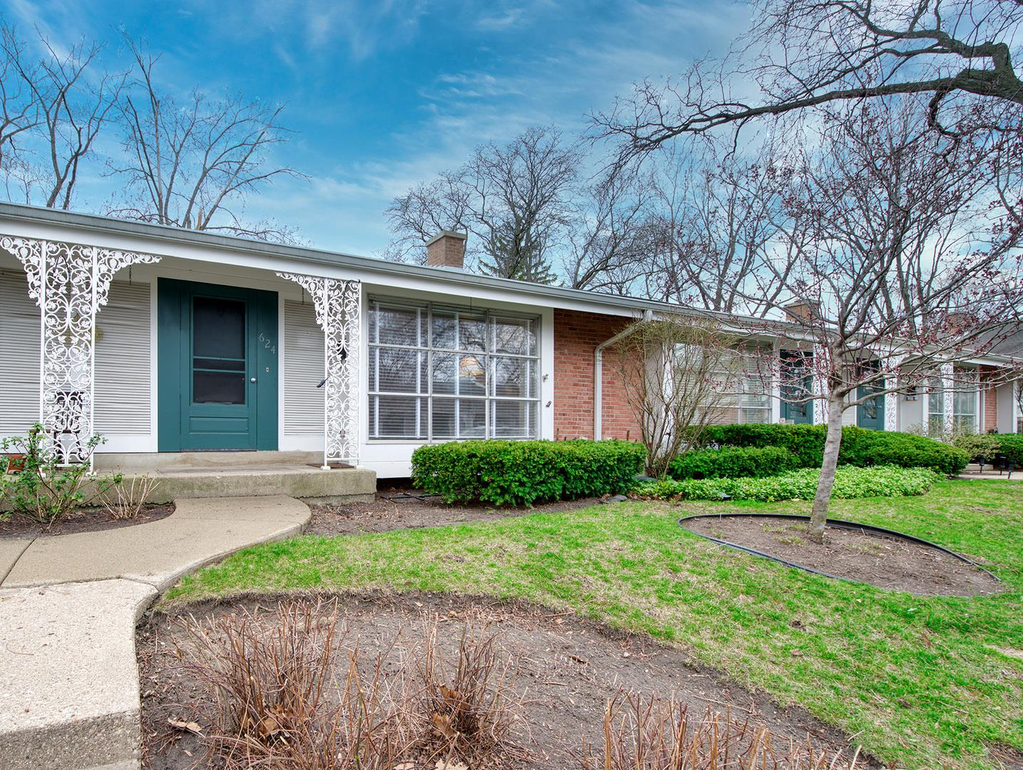 624 Carriage Hill Drive #624, Glenview, IL 60025 - #: 11046035