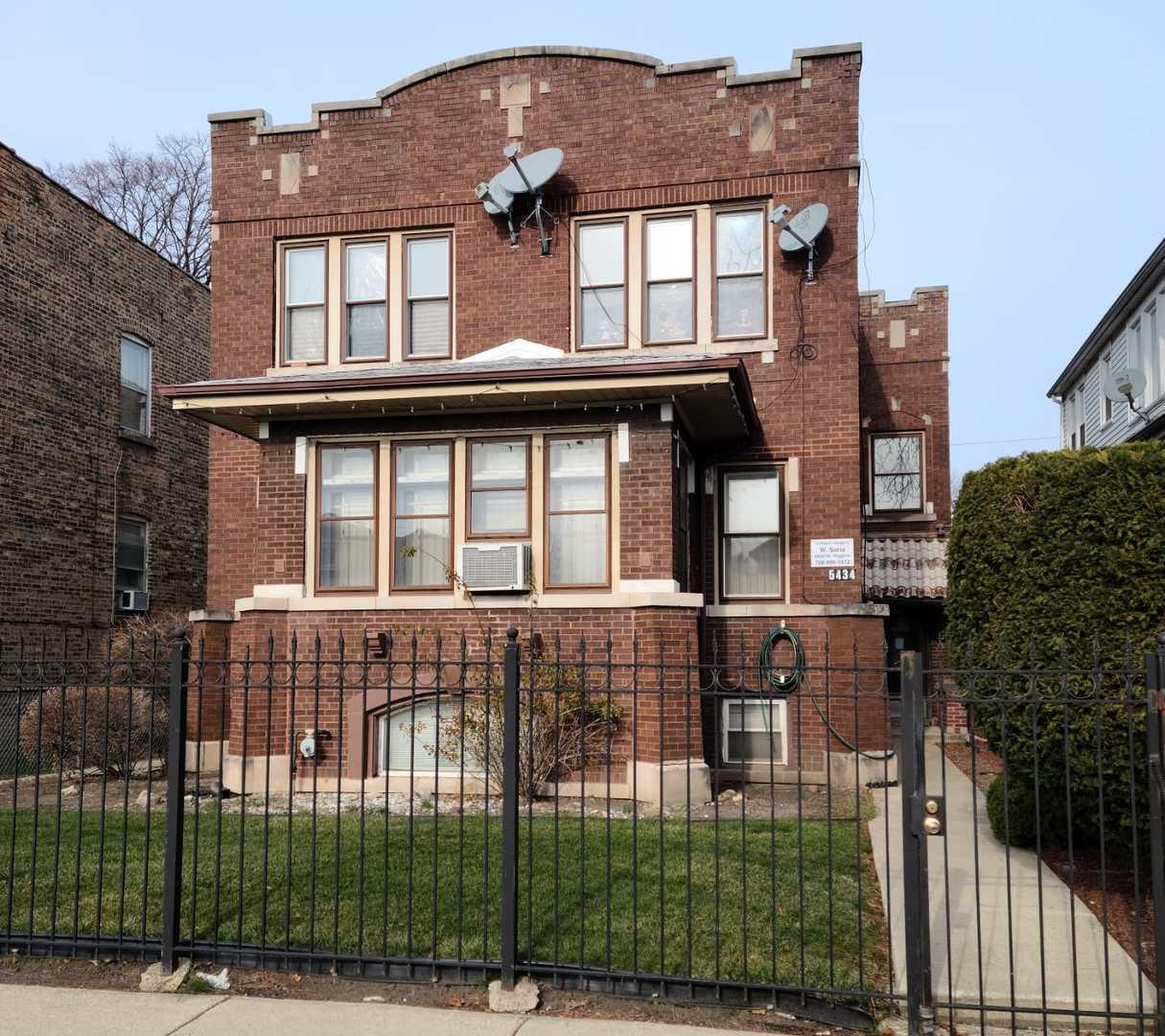 5434 W Kamerling Avenue, Chicago, IL 60651 - #: 10956036