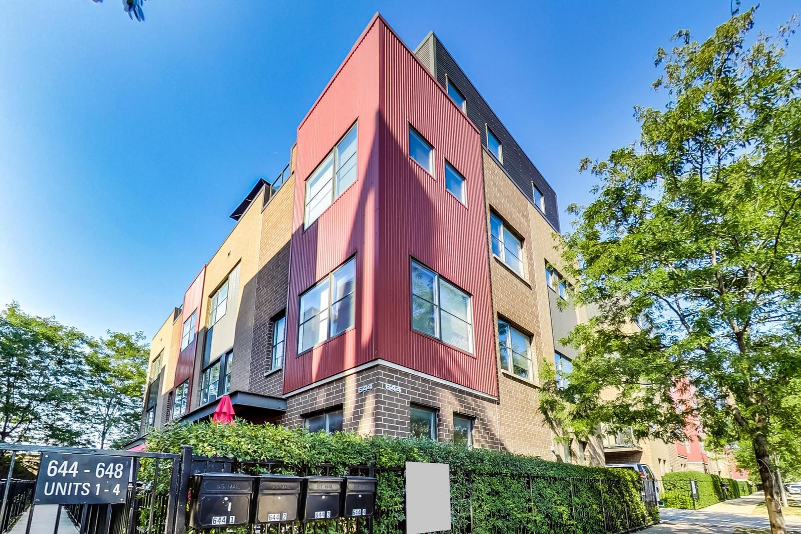 644 W 16TH Street #3, Chicago, IL 60616 - #: 10880039