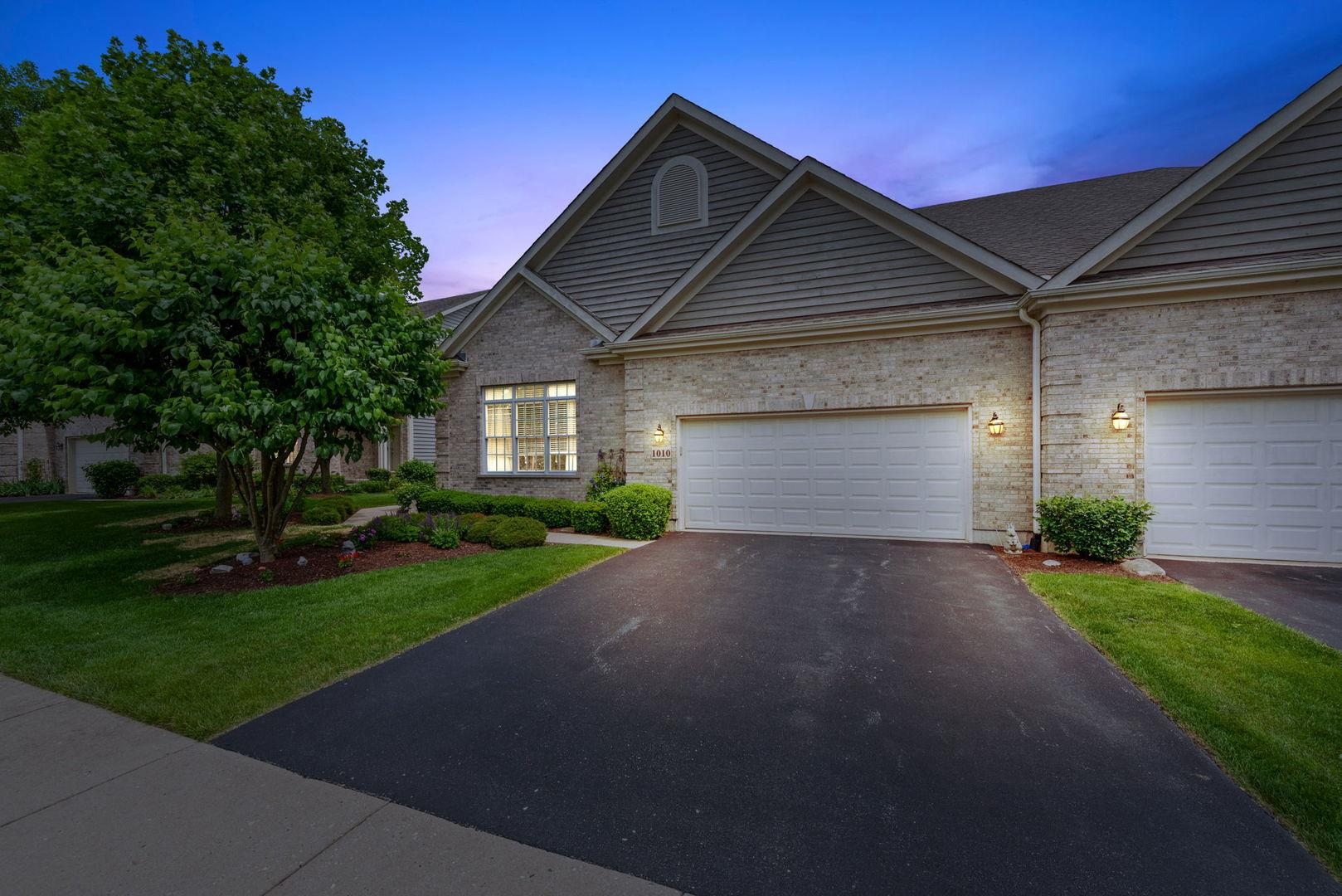 1010 Harrow Gate Drive, Woodstock, IL 60098 - #: 10780047