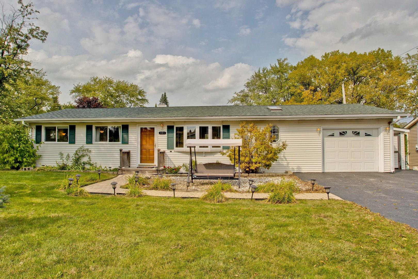 101 Deer Path, Lake in the Hills, IL 60156 - #: 10882047