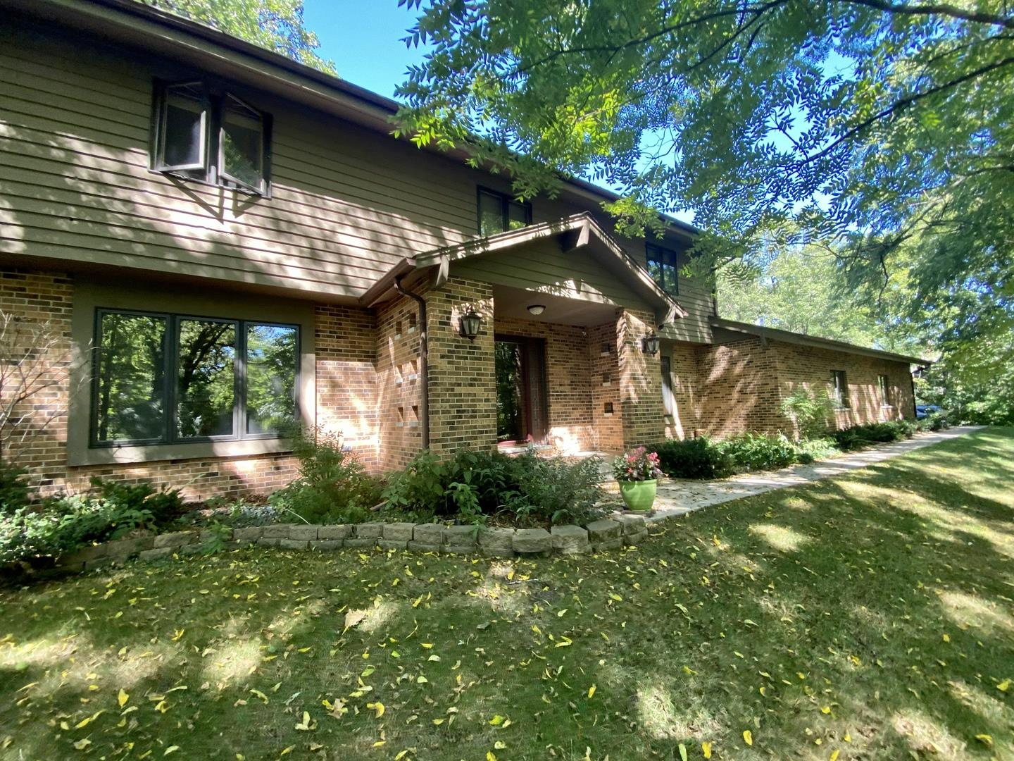 3009 Hidden Lake Drive, Woodstock, IL 60098 - #: 10936048