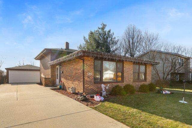 135 E Fullerton Avenue, Glendale Heights, IL 60139 - #: 10952051
