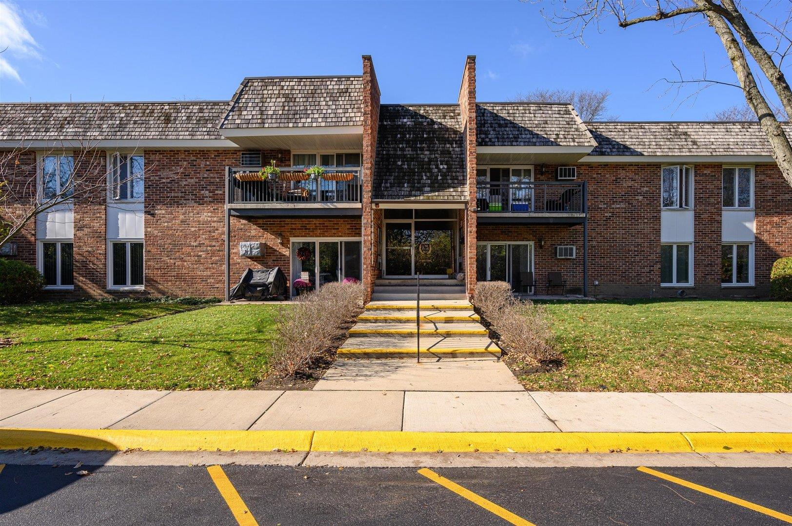 3941 Saratoga Avenue #212, Downers Grove, IL 60515 - #: 10927053