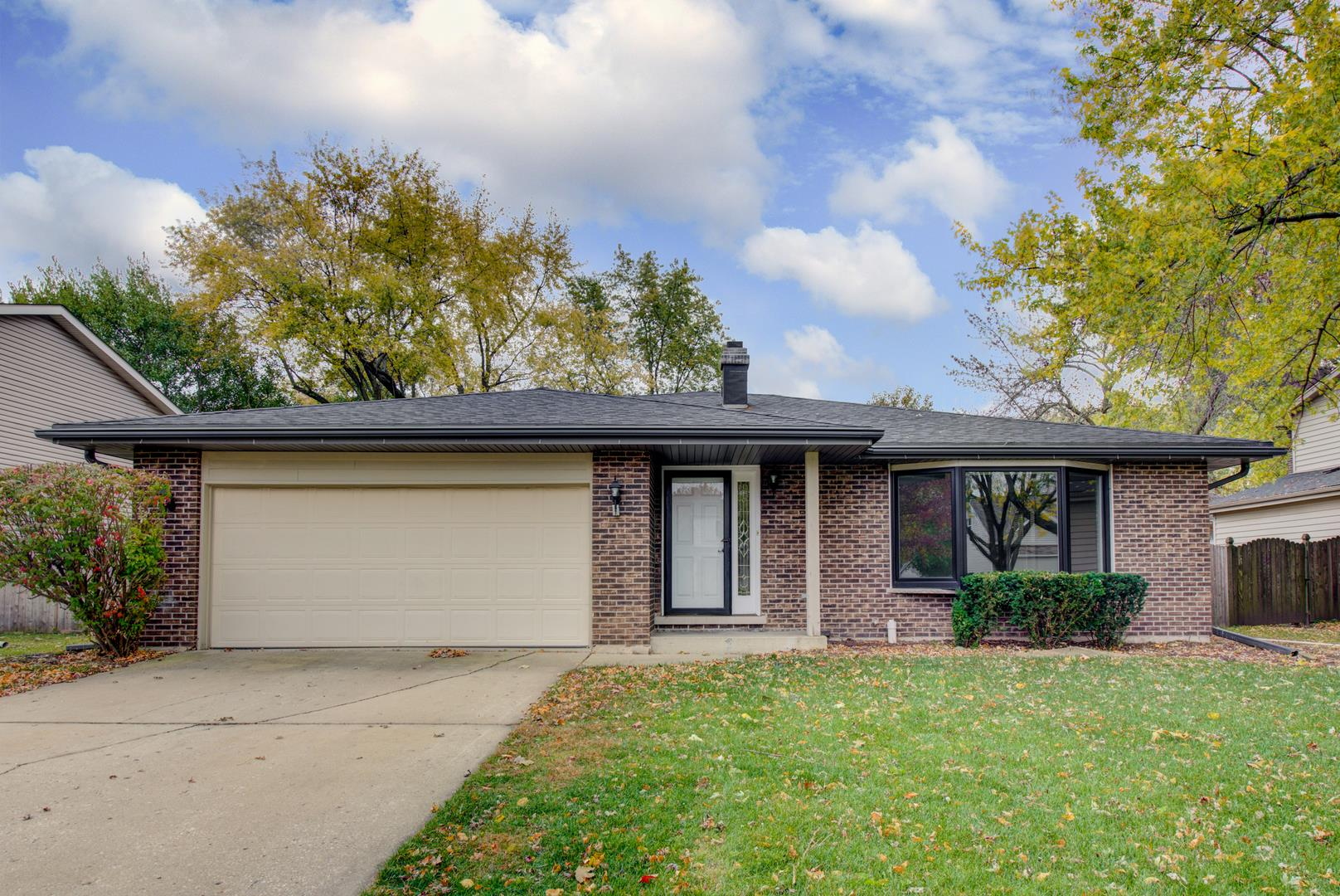 30w231 W Country Lakes Drive, Naperville, IL 60563 - #: 10904059