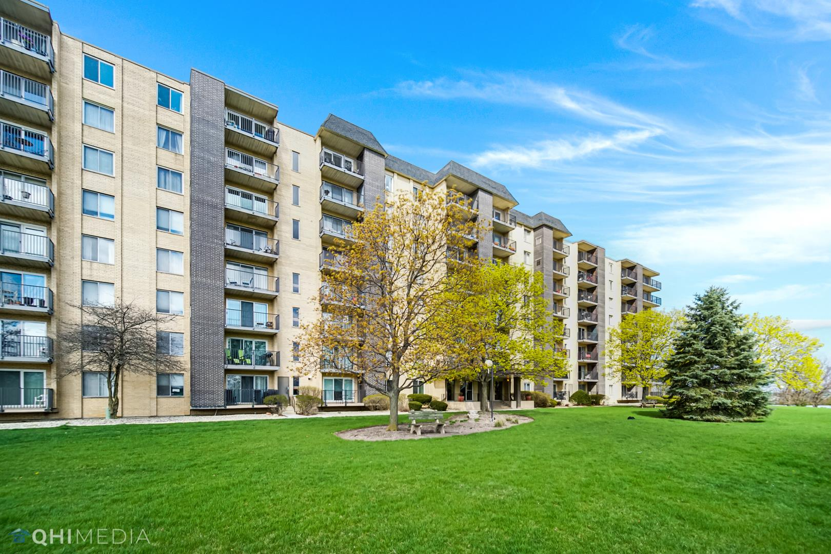 5400 Walnut Avenue #707, Downers Grove, IL 60515 - #: 11056059