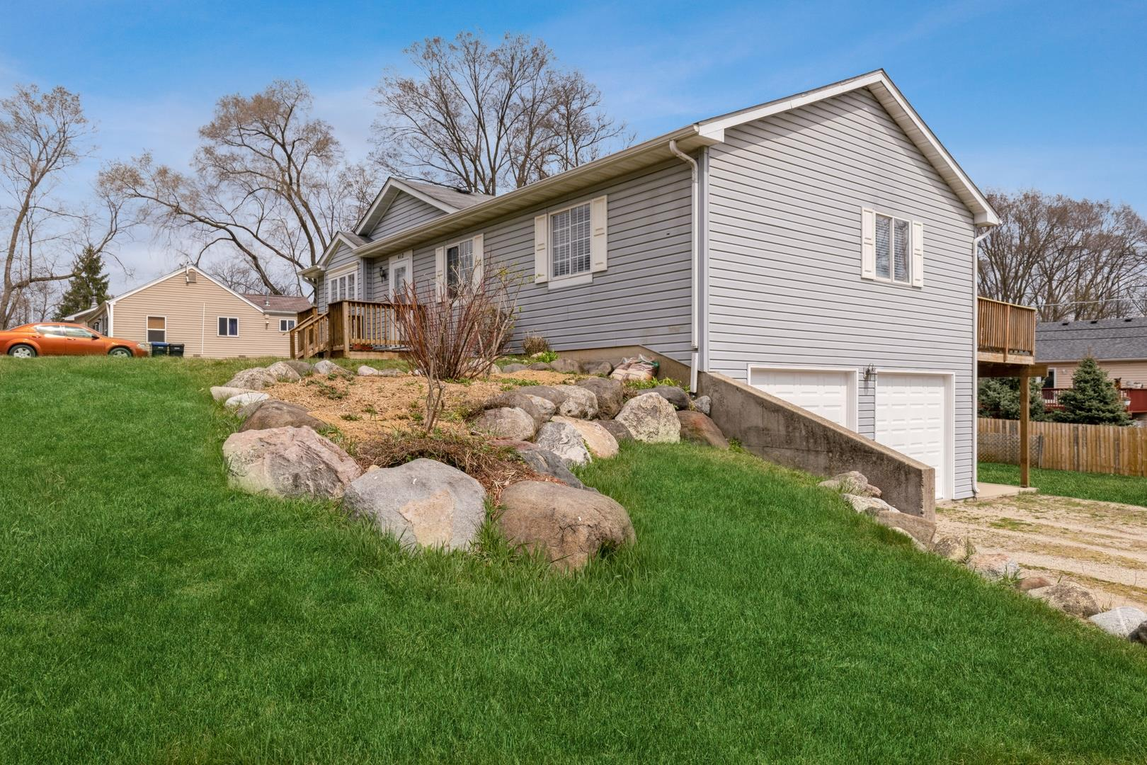412 N Cresthill Avenue, McHenry, IL 60051 - #: 11038061