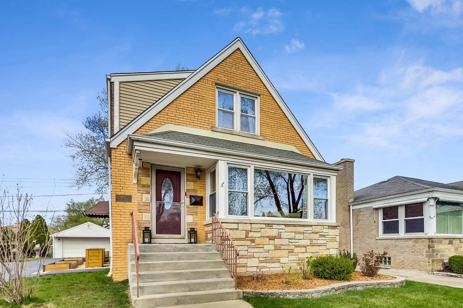 1852 Hull Avenue, Westchester, IL 60154 - #: 11062065