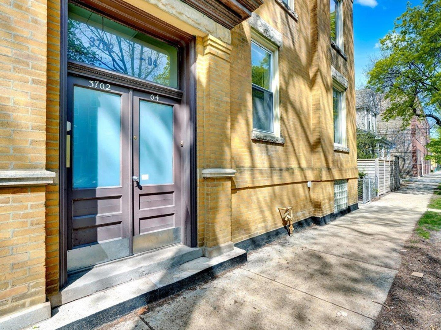 3702 N Hoyne Avenue, Chicago, IL 60618 - #: 11059066