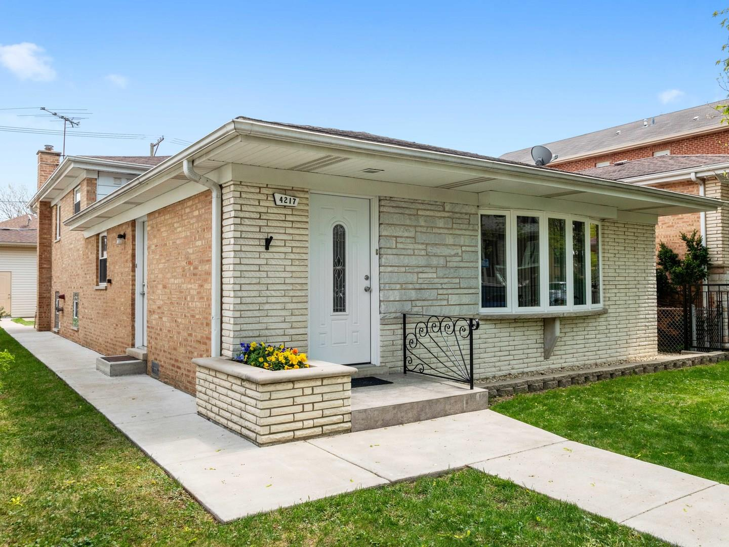 4217 N Melvina Avenue, Chicago, IL 60634 - #: 11070068