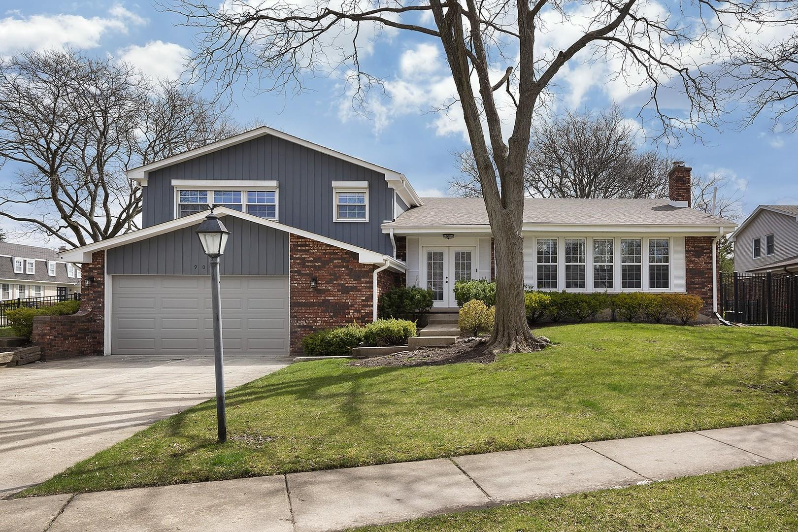 902 SUFFIELD Terrace, Northbrook, IL 60062 - #: 10851070