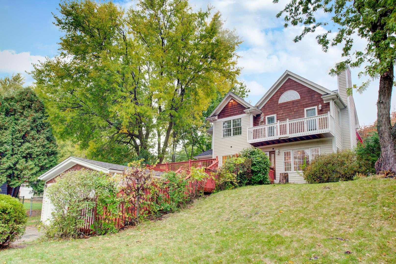 1001 Burr Street, Lake in the Hills, IL 60156 - #: 10907071