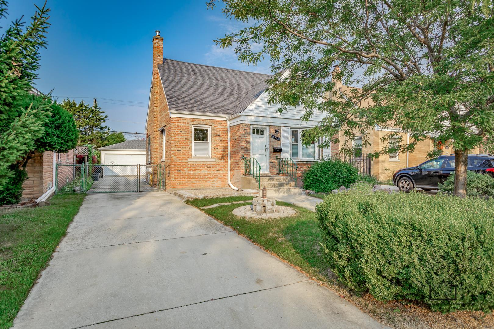 4912 N Mulligan Avenue, Chicago, IL 60630 - #: 10856075