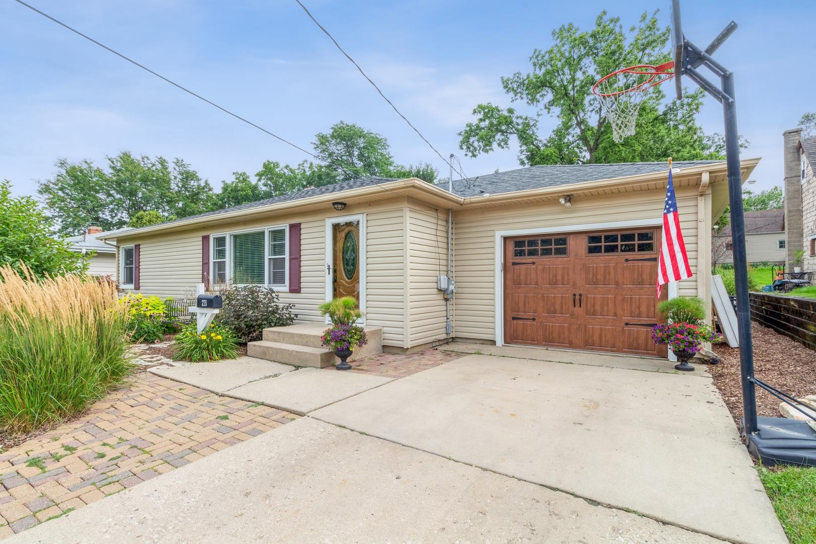 275 W Middle Street, South Elgin, IL 60177 - #: 11173077