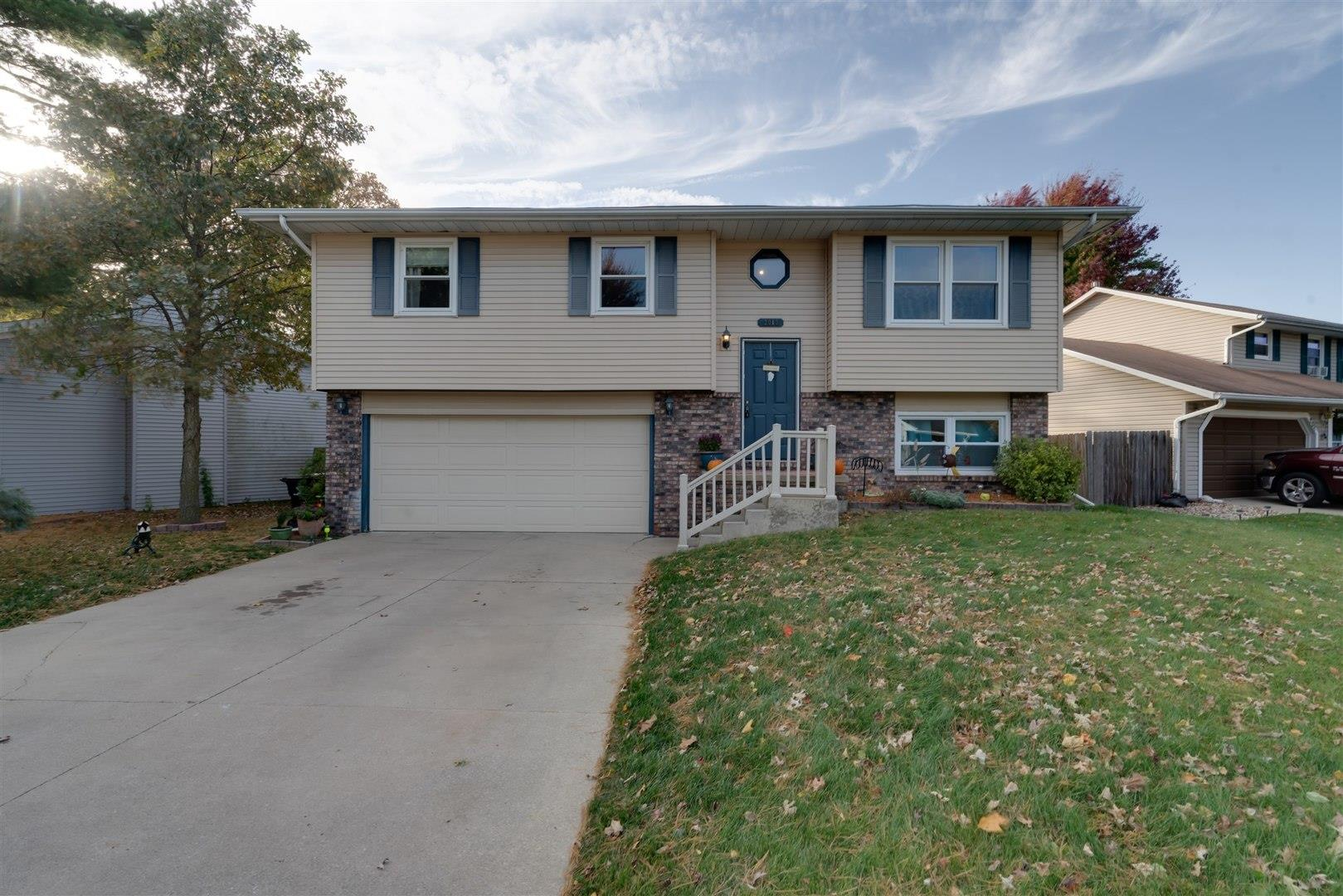 2013 Woodhavens Drive, Bloomington, IL 61704 - #: 10815078
