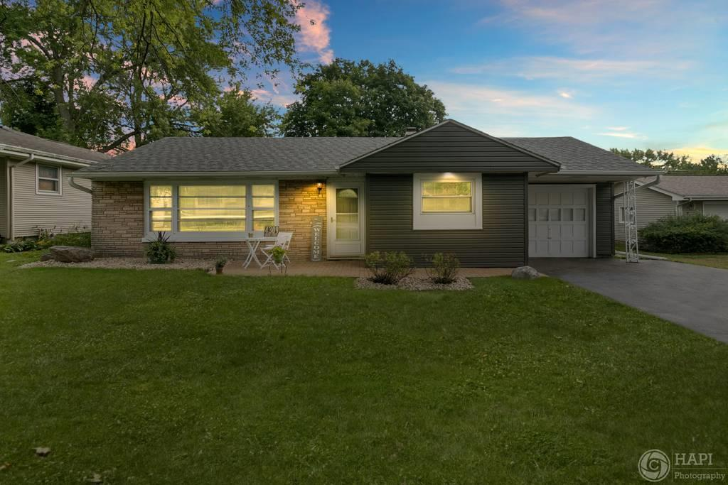 4309 South Street, McHenry, IL 60050 - #: 10855078