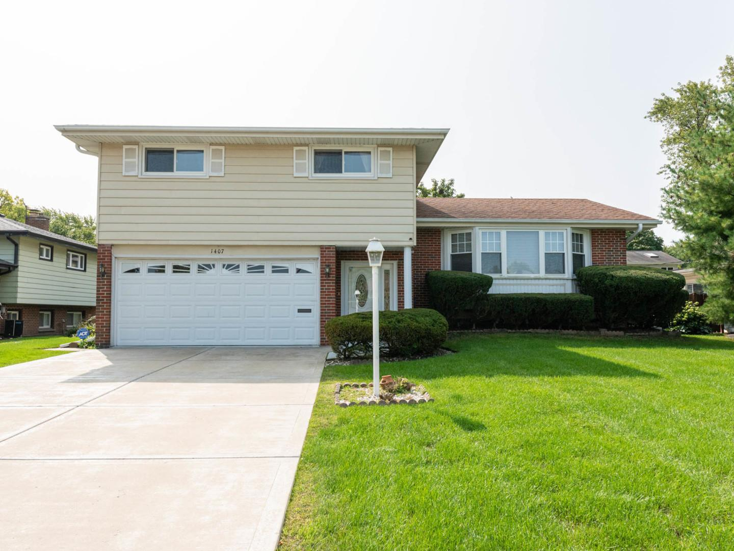 1407 BARBERRY Lane, Mount Prospect, IL 60056 - #: 10940080