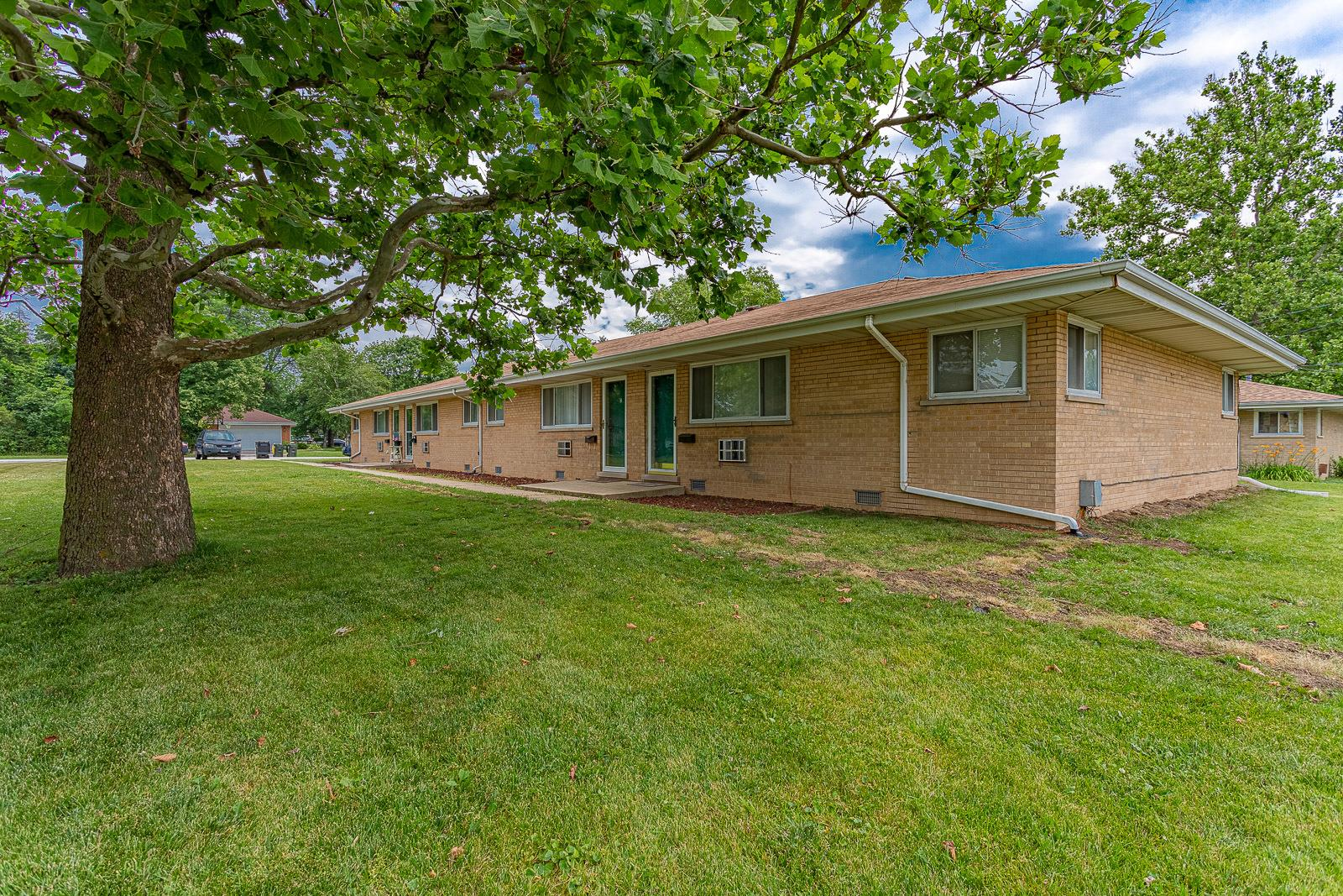 220 Walter Drive, Roselle, IL 60172 - #: 10781092