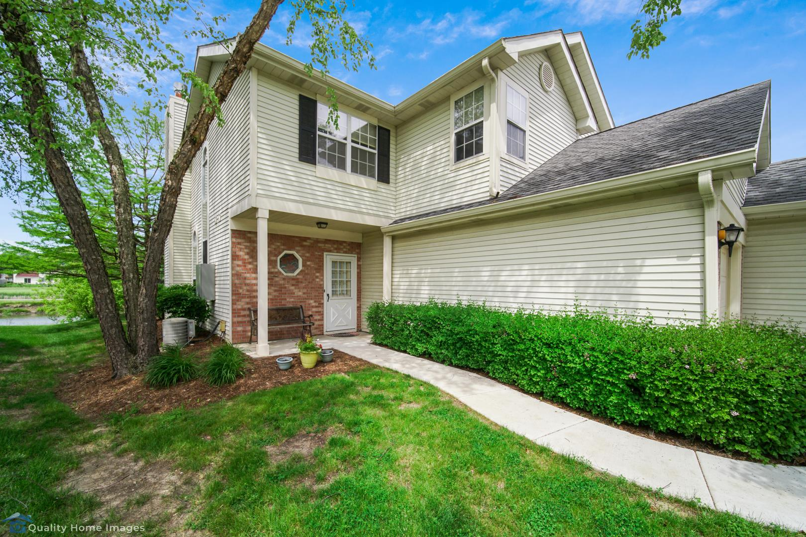 54 N Golfview Court #54, Glendale Heights, IL 60139 - #: 10737093