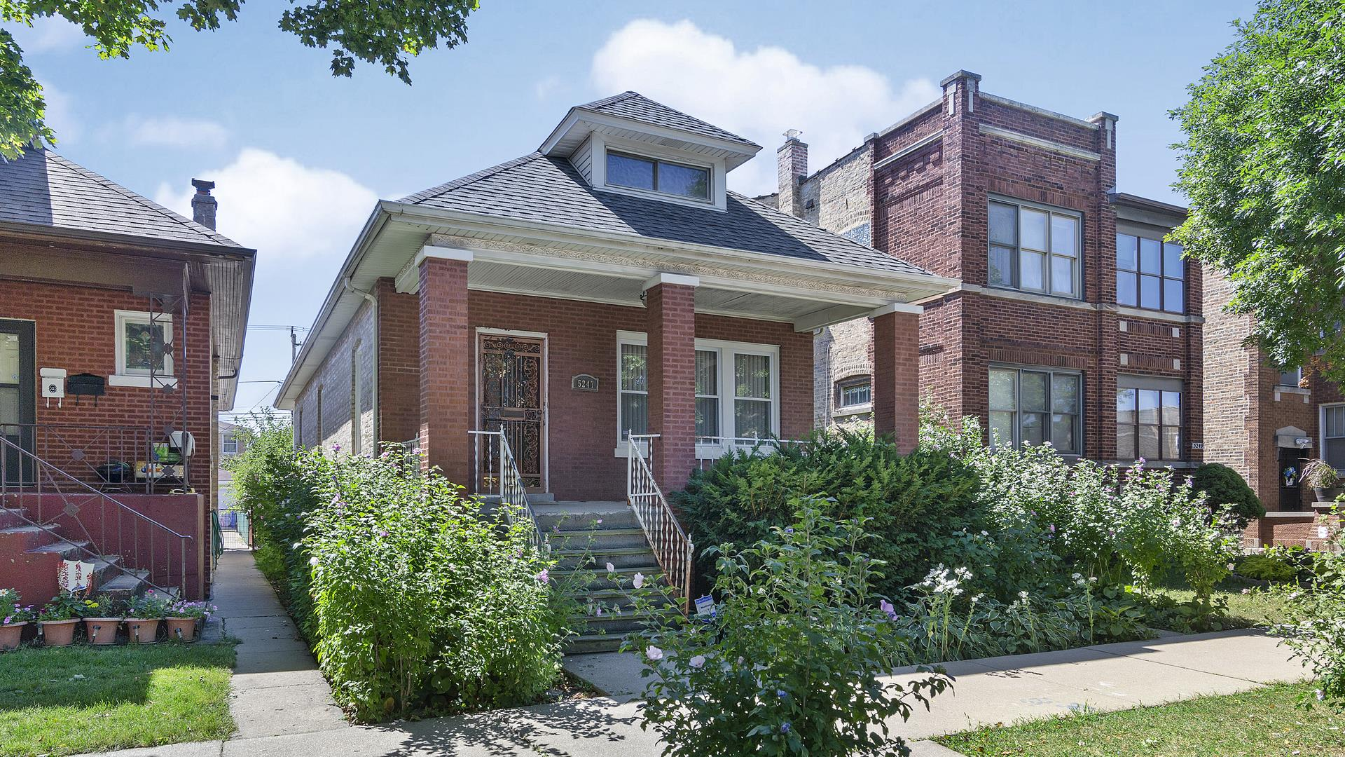 5247 W PATTERSON Avenue, Chicago, IL 60641 - #: 10854094