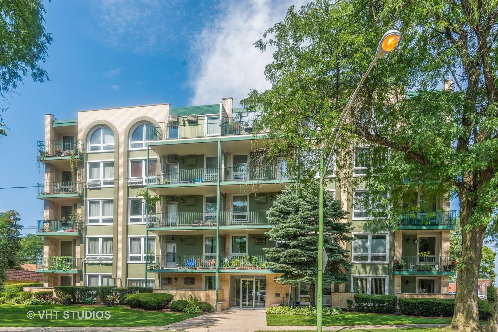 6141 W Higgins Avenue #4B, Chicago, IL 60630 - #: 10821095