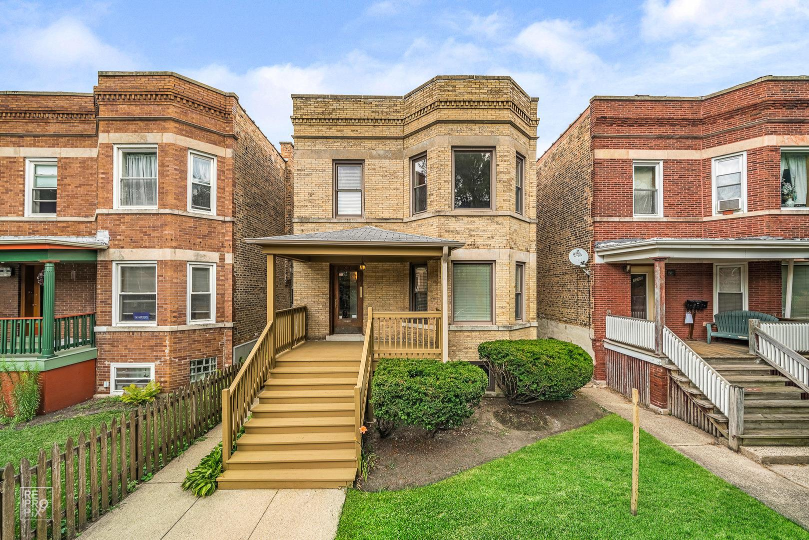 2212 W Eastwood Avenue, Chicago, IL 60625 - #: 10843102