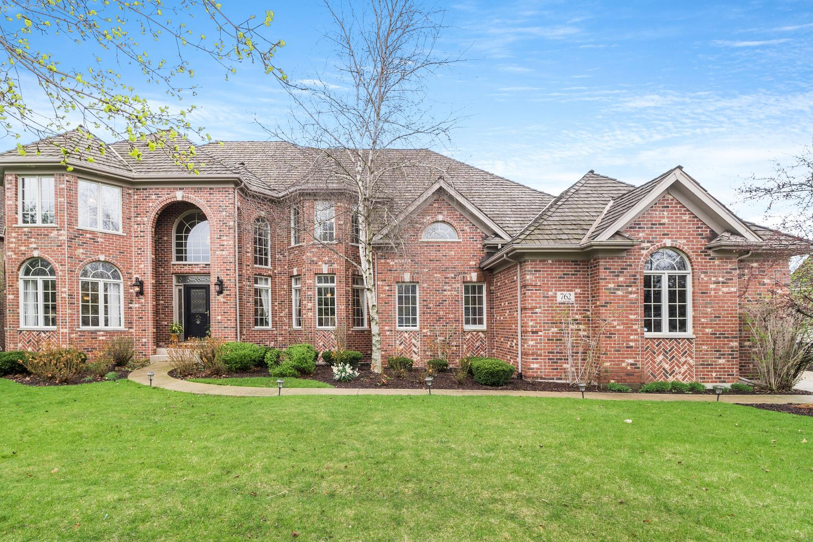 762 Waters Edge Drive, South Elgin, IL 60177 - #: 11046103