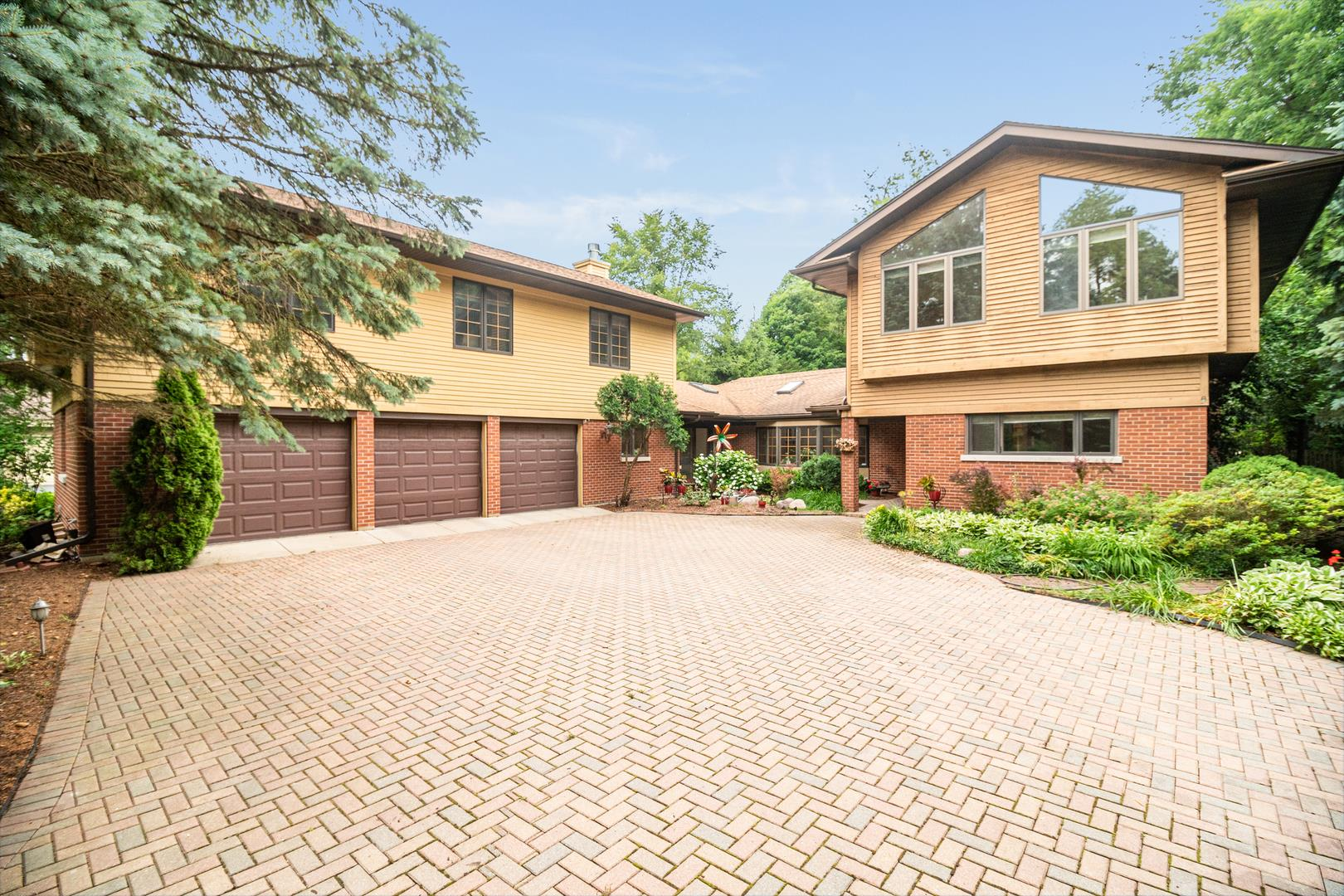 377 Forest Trail, Oak Brook, IL 60523 - #: 10768104