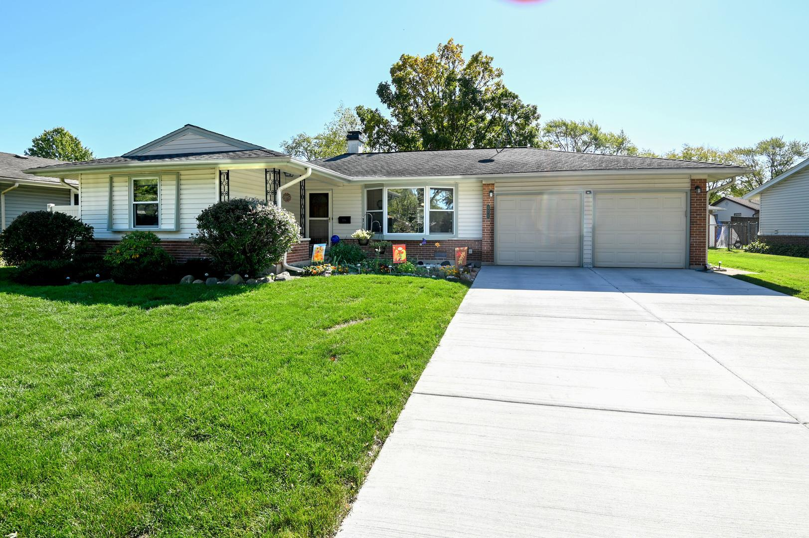 571 Clearmont Drive, Elk Grove Village, IL 60007 - #: 10896112