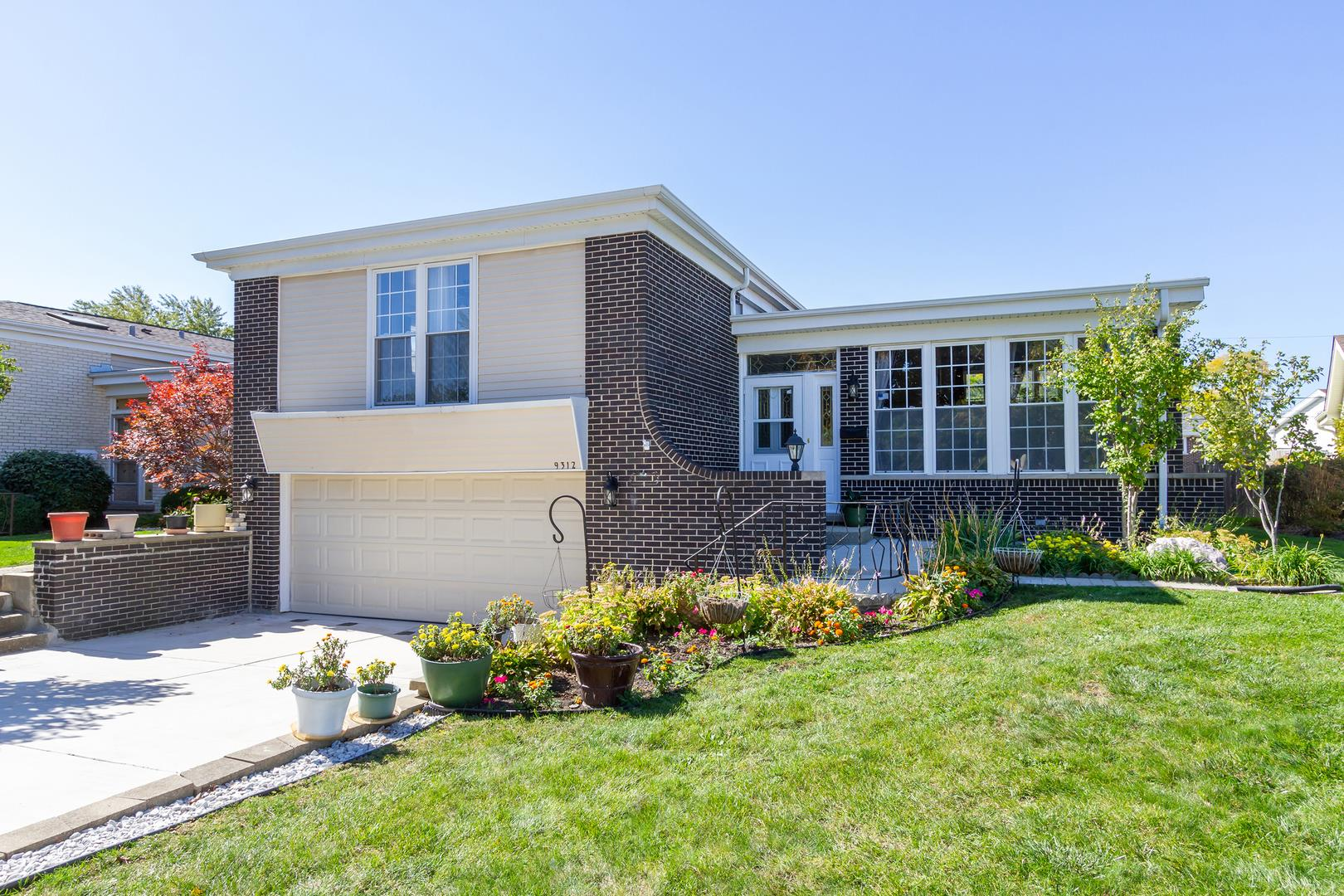 9312 MICHAEL Court, Morton Grove, IL 60053 - #: 10938112