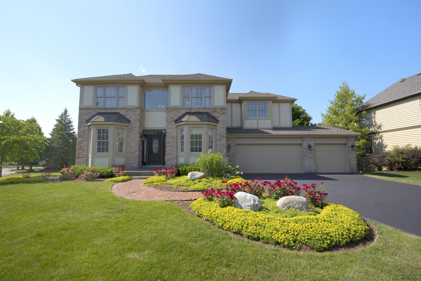 2 Shadow Creek Court, Lake in the Hills, IL 60156 - #: 10802117