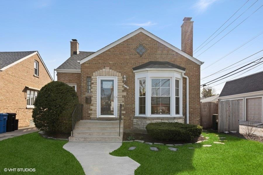4815 N Mulligan Avenue, Chicago, IL 60630 - #: 11043126