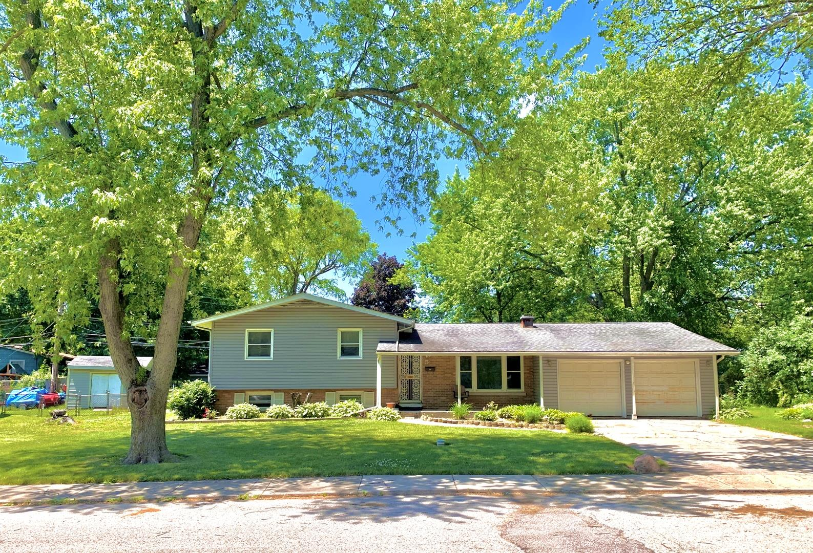 5 Knollwood Drive, Montgomery, IL 60538 - #: 10769128