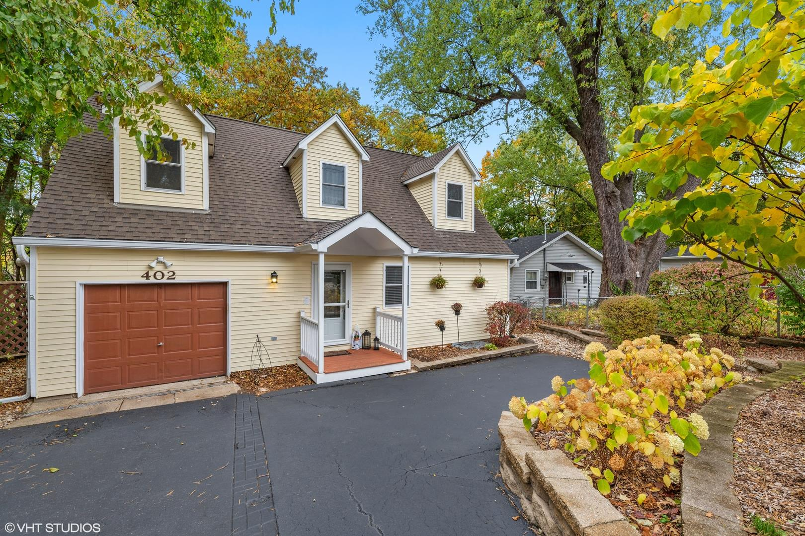 402 Nippersink Drive, McHenry, IL 60050 - #: 10887130