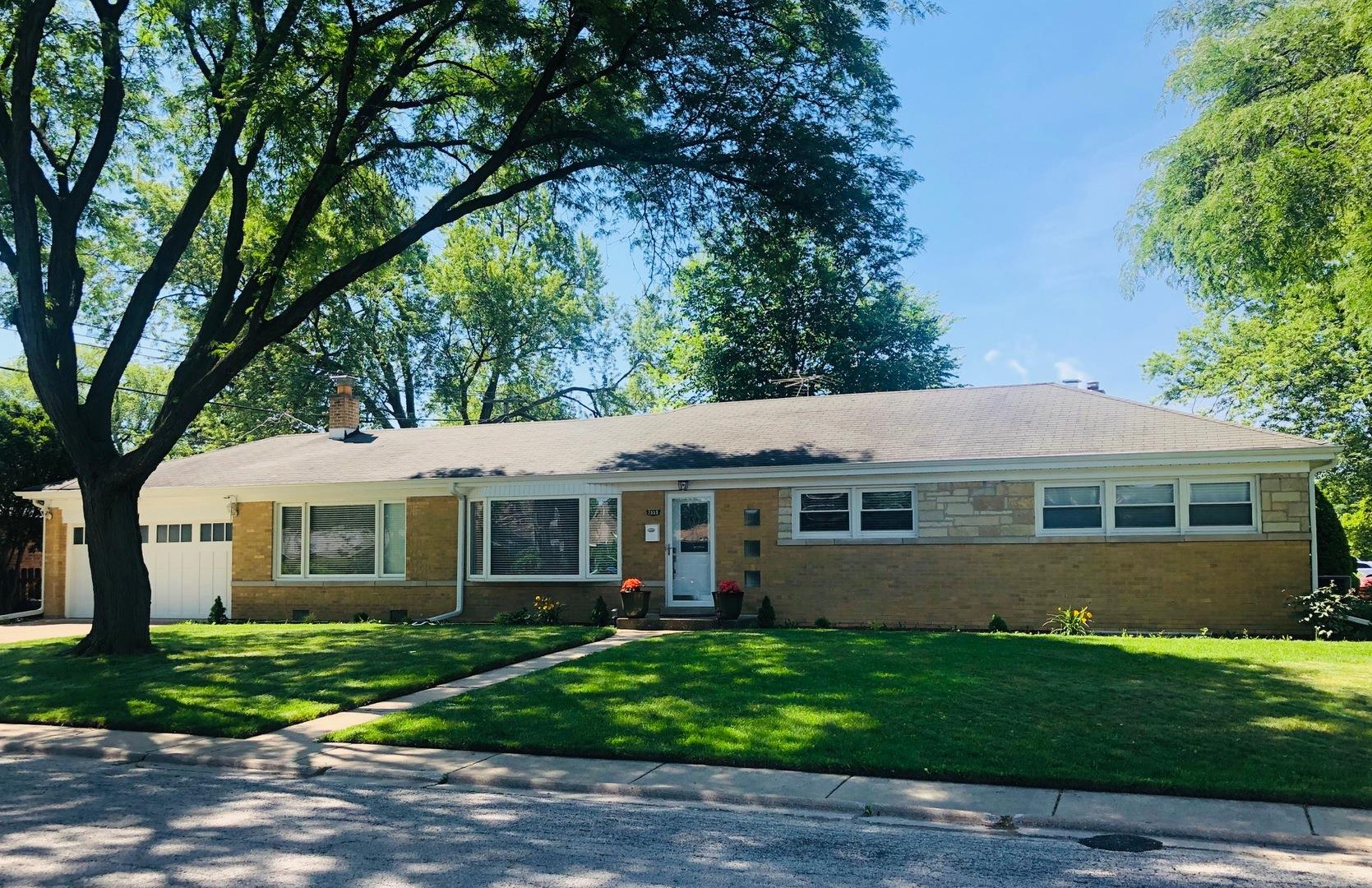 7359 N Kenneth Avenue, Lincolnwood, IL 60712 - #: 10862134