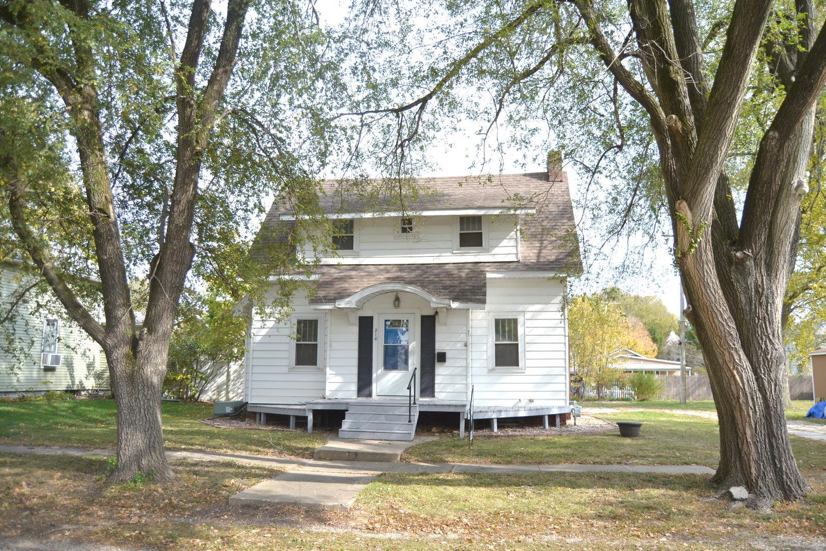 210 N Mulberry Street, Clinton, IL 61727 - #: 10912136