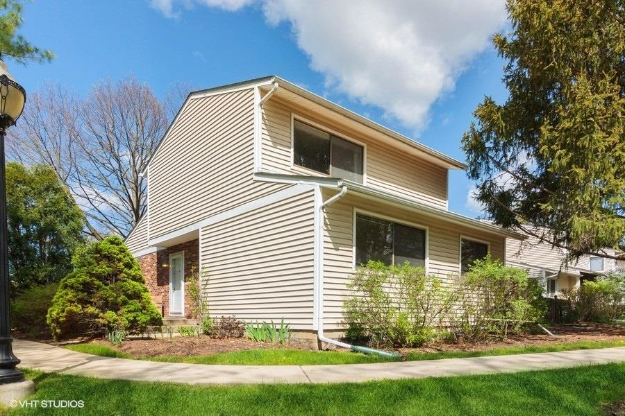 27 Wintergreen Court, Woodridge, IL 60517 - #: 11040150