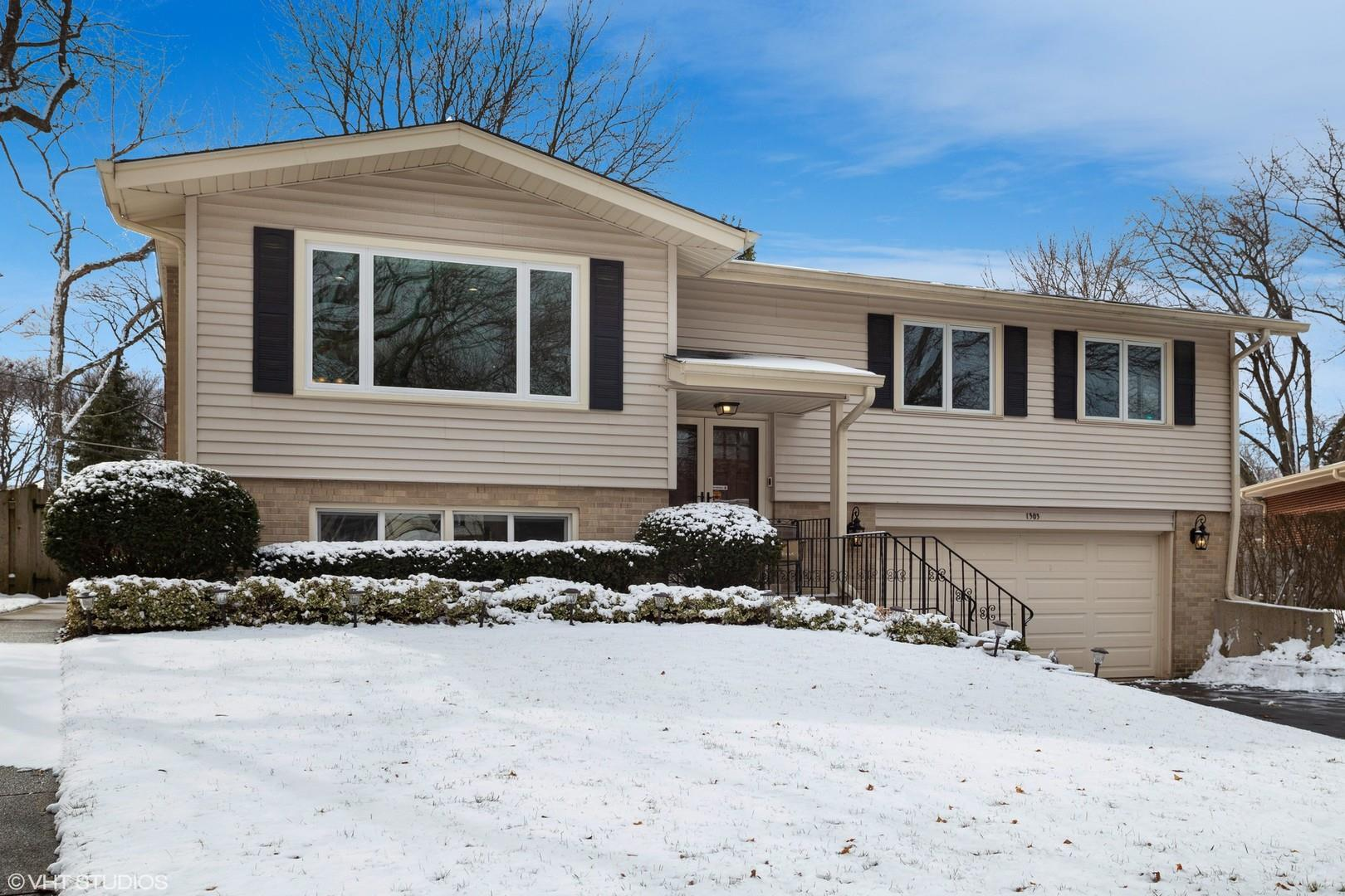 1303 W Cottonwood Lane, Arlington Heights, IL 60005 - #: 10653153